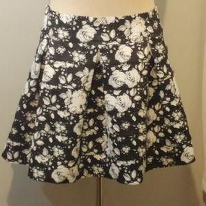 Xhilaration Black/Gray full floral skirt (XXL)